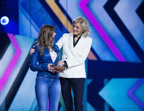 Ornella presents the Prince's Youth Service Award at WE Day Halifax