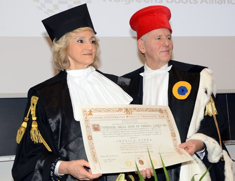 Ornella Barra receives honorary degree from University of Urbino